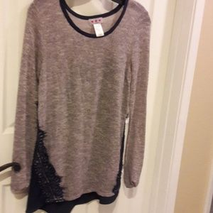GREY AND NAVY BLOUSE